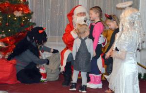 Veľa zábavy si deti zamestnancov užijú na každoročnom mikulášskom posedení.