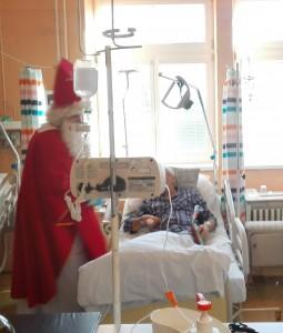 Mikuláš navštívil aj pacientov na lôžku